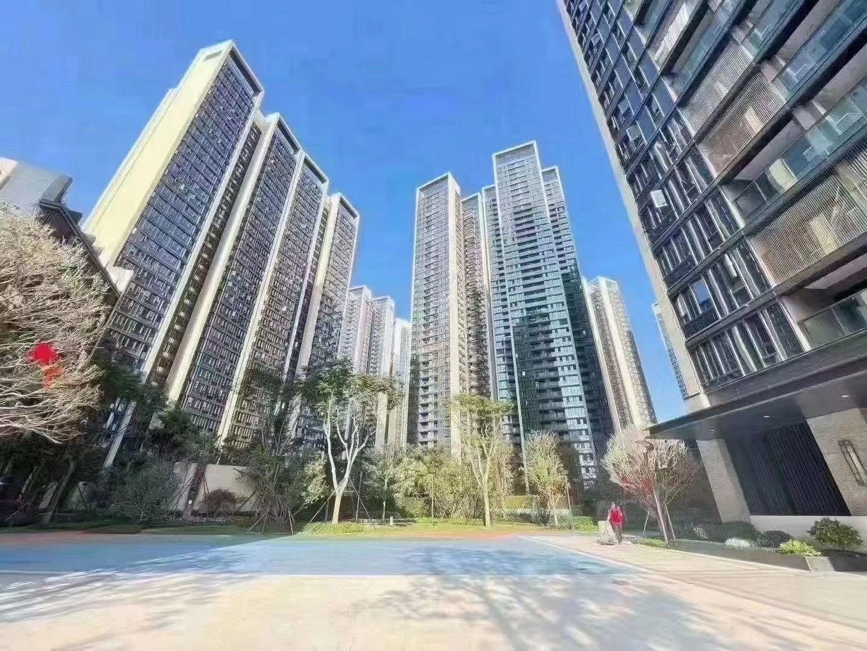 沙井中心区,海岸城0距离【智汇星辰】红本房首付72万买三房