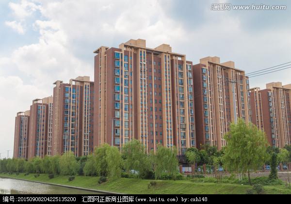 公明稀缺五栋统建楼《畔山公馆》,户户带豪装,公园零距离